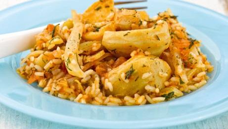 Αγκινάρες με ρύζι και ντομάτα