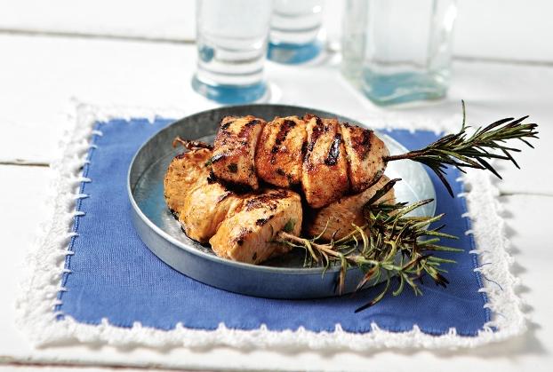 Κοτόπουλο μίνι σουβλάκι σε δροσερή μαρινάδα