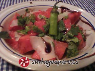 Καρπούζι σαλάτα με καυτερή πιπεριά
