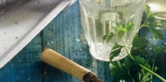 Τσιπούρες σε κρασί και τοματίνια