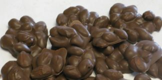 Βραχάκια με αμύγδαλα και σοκολάτα