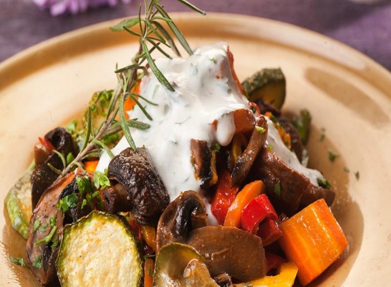 Ψητά λαχανικά με γιαούρτι και κάρυ